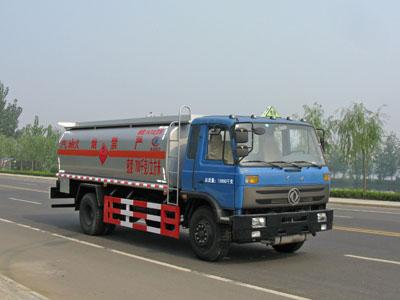 东风153单桥油罐车