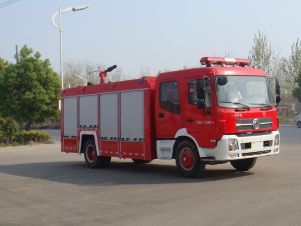 东风天锦单桥双排座水罐泡沫两用消防车
