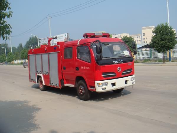 东风多利卡双排座水罐消防车