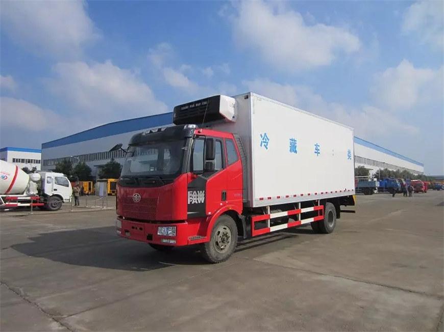 解放冷藏车6.7米