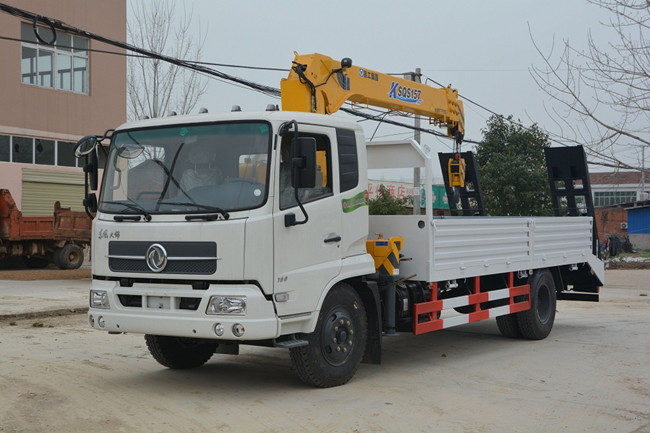 东风天锦(可装3.2~6.3吨吊机)随车起重运输车(带爬梯)