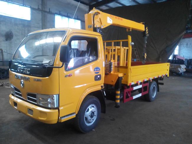 东风多利卡3300(可装2~4吨吊机)随车起重运输车