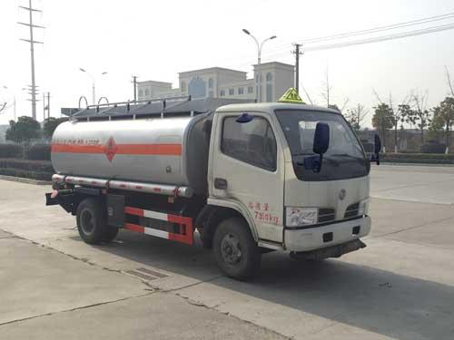 东风小多利卡4吨流动加油车