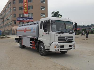 东风专底加油车运油车(12方)